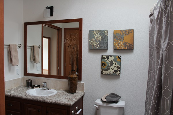 Schult Timberland Modular 5632-86 (2015 Excelsior Homes Model) Bathroom